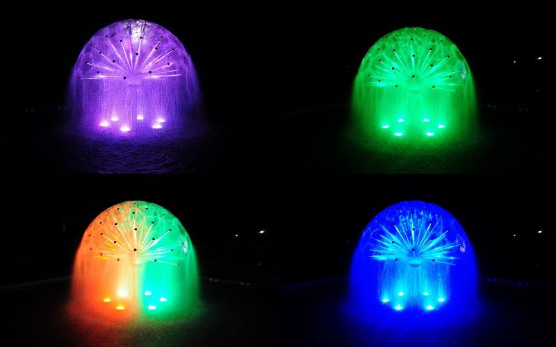 vecerne osvetlenie fontany v parku nove mesto nad vahom