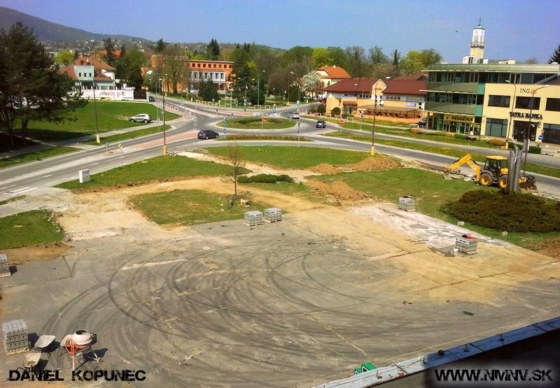 úprava zelenej plochy pred OD Jednota Nové Mesto nad Váhom