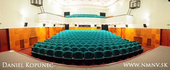 zrekonstruovane kino povazan divadelna sala msks